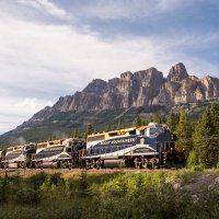 First Passage to the West Highlights with pre-tour Cruise, 13 Nights