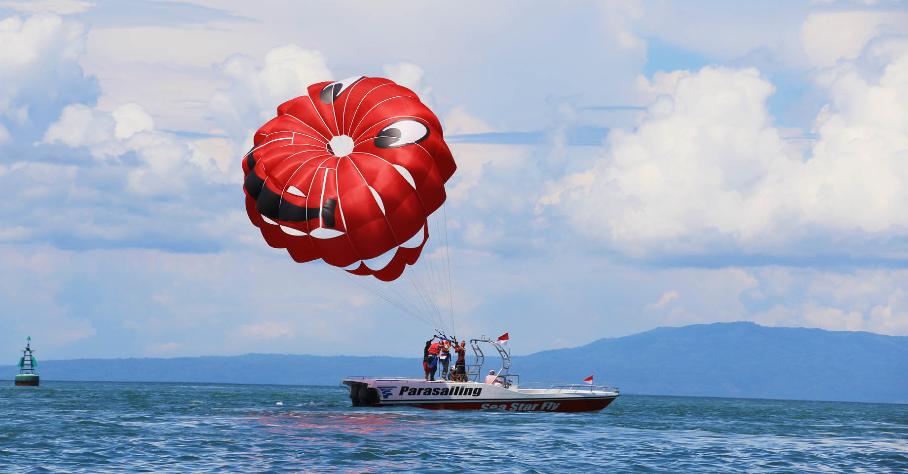 Parasailing, Bali Morteza-F.Shojaei on Unsplash